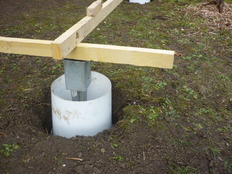 Les bricolos - Plot beton pour poteau bois ...