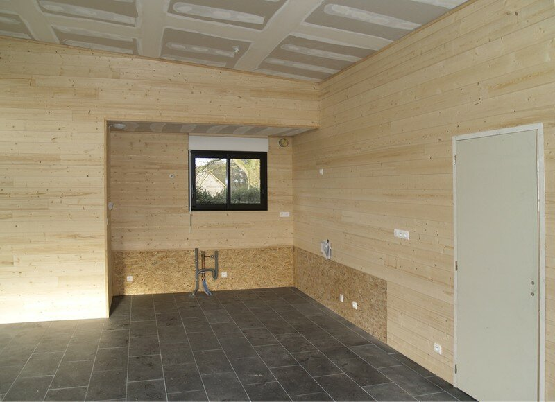 Pose du clin int rieur maison en bois au bois hulin for Pose de clin bois