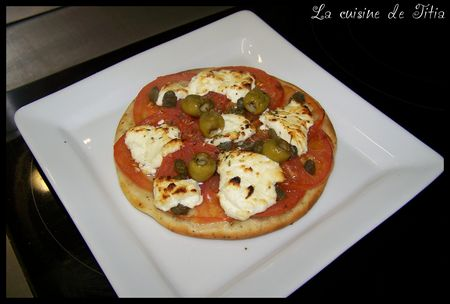 tartelette_ch_vre_et_tomates