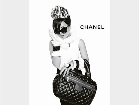 CHANEL_Coco_Cocoon_Lily_Allen_advertising_campaign_by_Karl_Lagerfeld_05