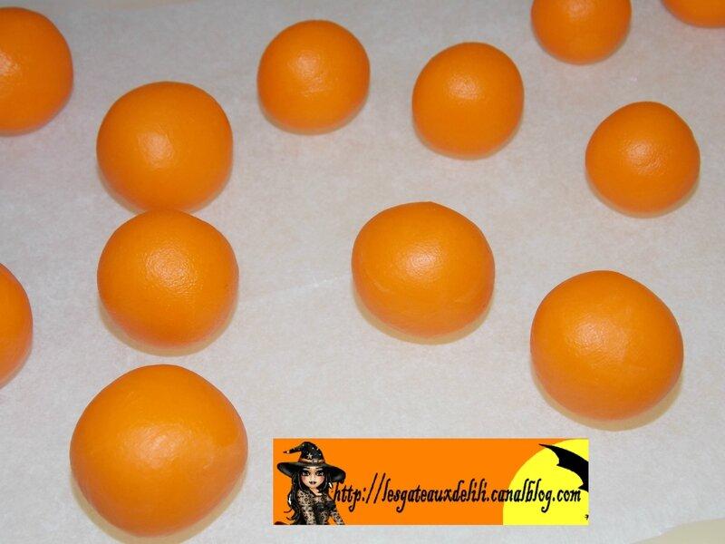 2013 10 26 - modelage citrouilles (1)