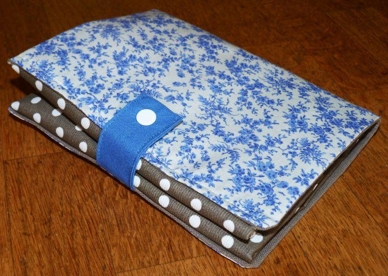 19. sac pliable en toile enduite taupe - plié