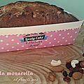 Cake sucré à la mozzarella, fève tonka et fruits secs