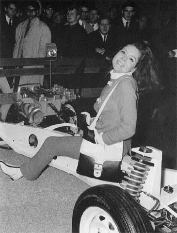 emma-peel-London-motor-show-1964
