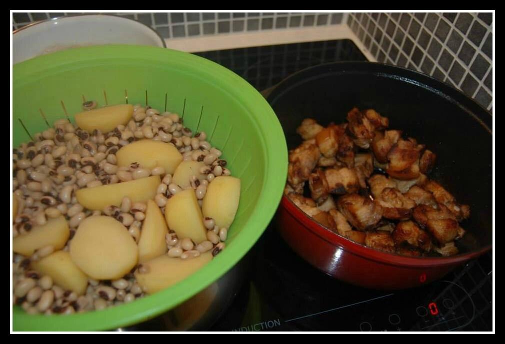 haricots cornille et lards grillés