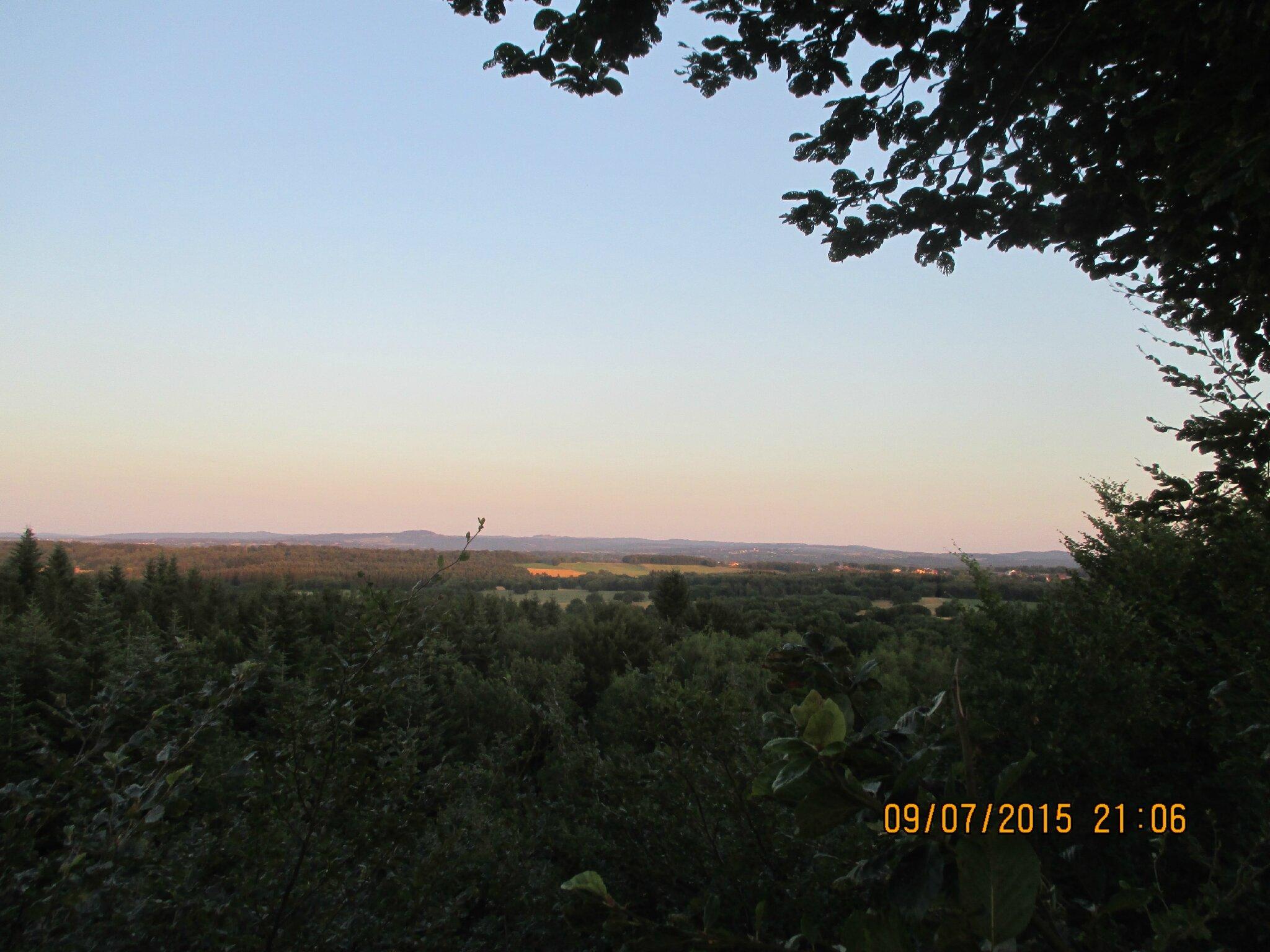 Ouf je suis en haut !!voici le paysage,l'automne ça doit être magnifique ,après tout ça il fallait redescendre pas la même;