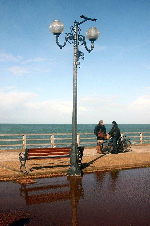 6-Normandie - Etretat (reflets, vélo)_0435