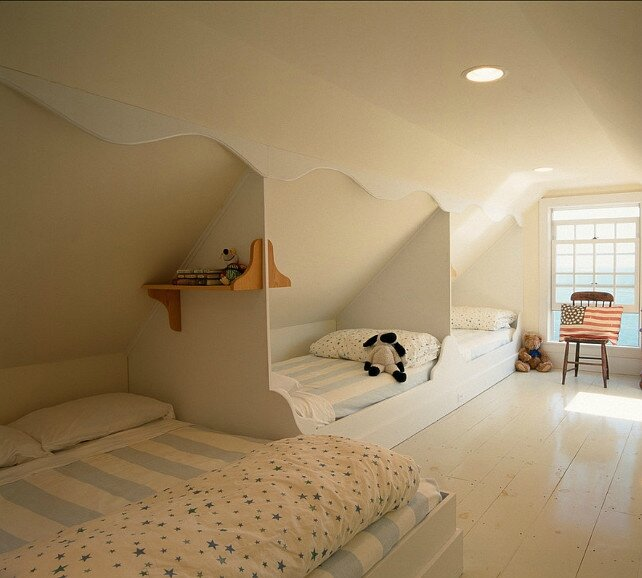 chambre enfant comble awesome chambre duenfant sous les combles with chambre enfant comble. Black Bedroom Furniture Sets. Home Design Ideas