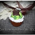 Collier cupcake choco-kiwi-chantilly
