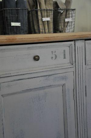 Nouveau look p ge blanche n 11 smile - Peindre meuble bois effet vieilli ...