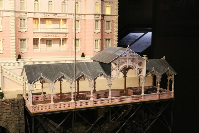 wes-anderson-follow-me-white-rabbit-alice-musee-miniature-lyon (9)