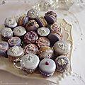 Idées fêtes: macarons à la violette décorés pour les soirs de fêtes.............