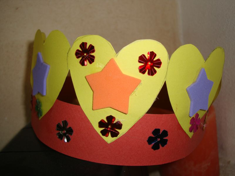 Couronne bricolage my blog - Couronne epiphanie maternelle ...