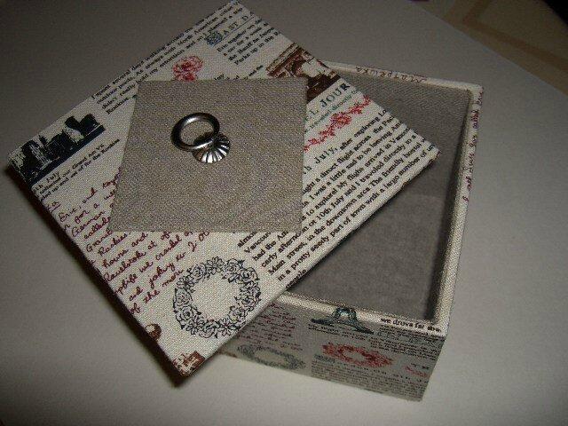 Petite boite en tissus lin/coton