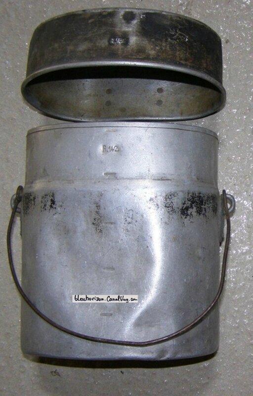 une gamelle mle 1893 bien marquée au 142R