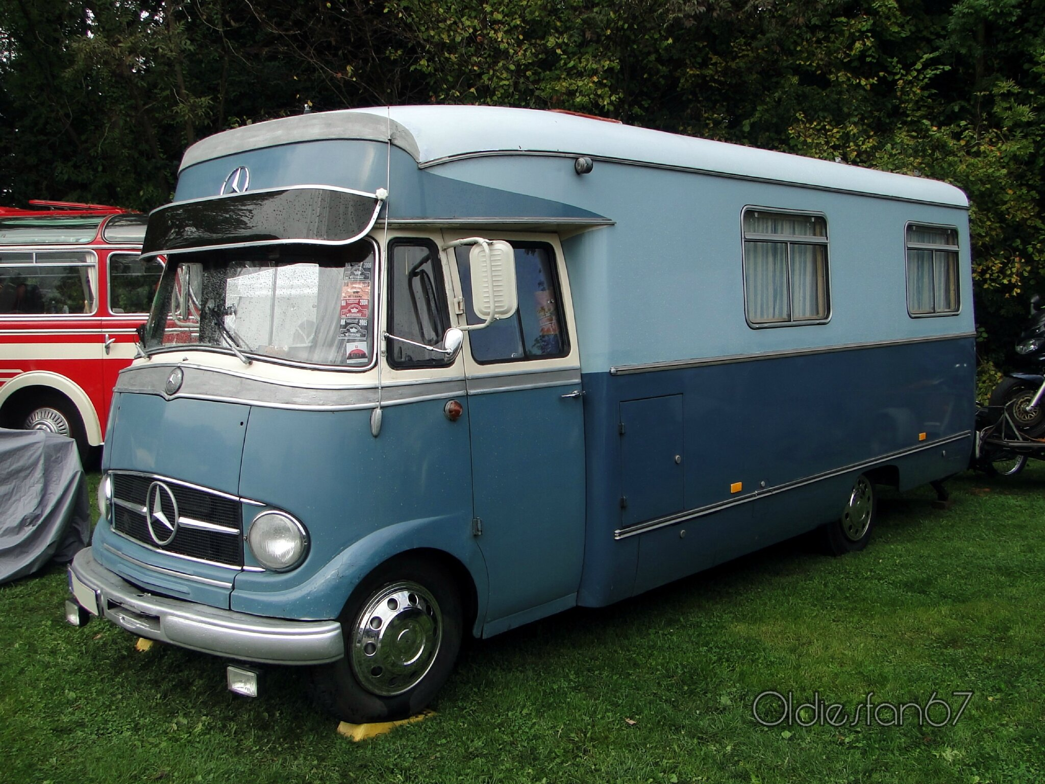 mercedes benz l319 camping car oldiesfan67 mon blog auto. Black Bedroom Furniture Sets. Home Design Ideas
