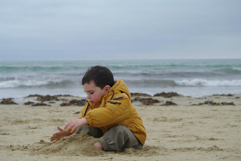 s'enterrer les pieds dans le sable