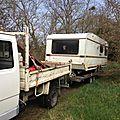 caravane sur camion plateau, chambre salon