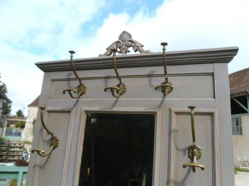 Vestiaire / Porte-Manteaux Avec Console De Style Peint Et Patiné