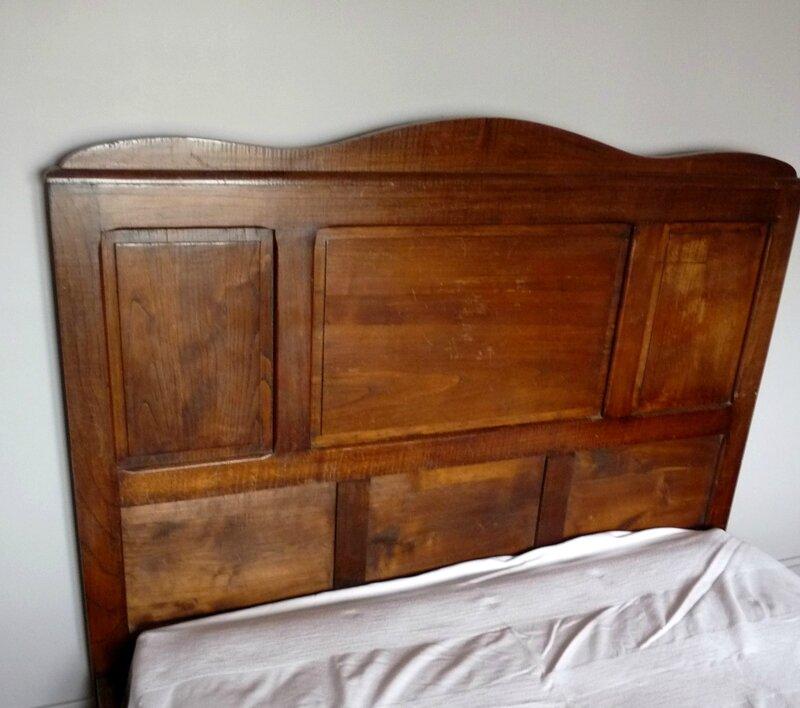 t te de lit vieux bois. Black Bedroom Furniture Sets. Home Design Ideas