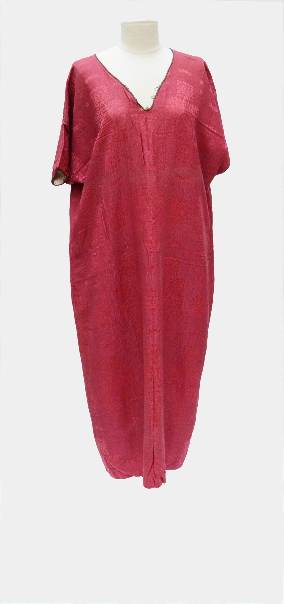 Attribuée à Paul Poiret: Robe tunique en damas de soie rouge framboise, circa 1911
