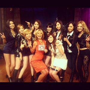 20120201_girlsgeneration_kellyripa-600x600