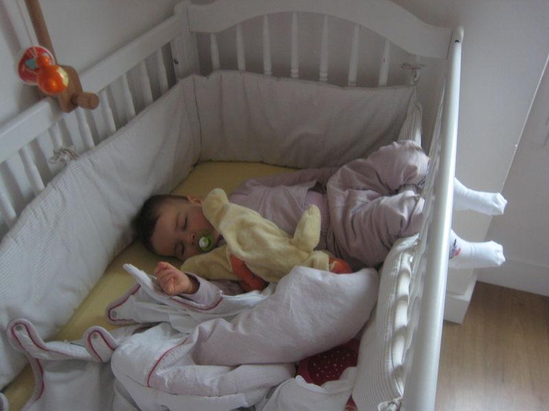 lit bebe 8 mois