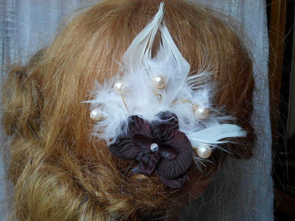 Pic à cheveux mariage thèmes orchidée, marron, plumes