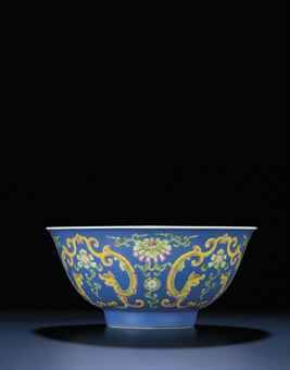 a_fine_and_extremely_rare_falangcai_kui_dragons_bowl_qianlong_blue_ena_d5448125_001h