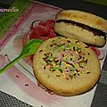 Mini-gâteaux à la liqueur fourrés à la confiture de figue