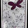49. blanc et violet - roses et papillons