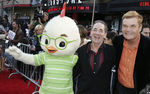 Premiere_Disney_Animated_Feature_Chicken_Little_GCgRwihwR5_l