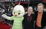Premiere_Disney_Animated_Feature_Chicken_Little_GCgRwihwR5_l