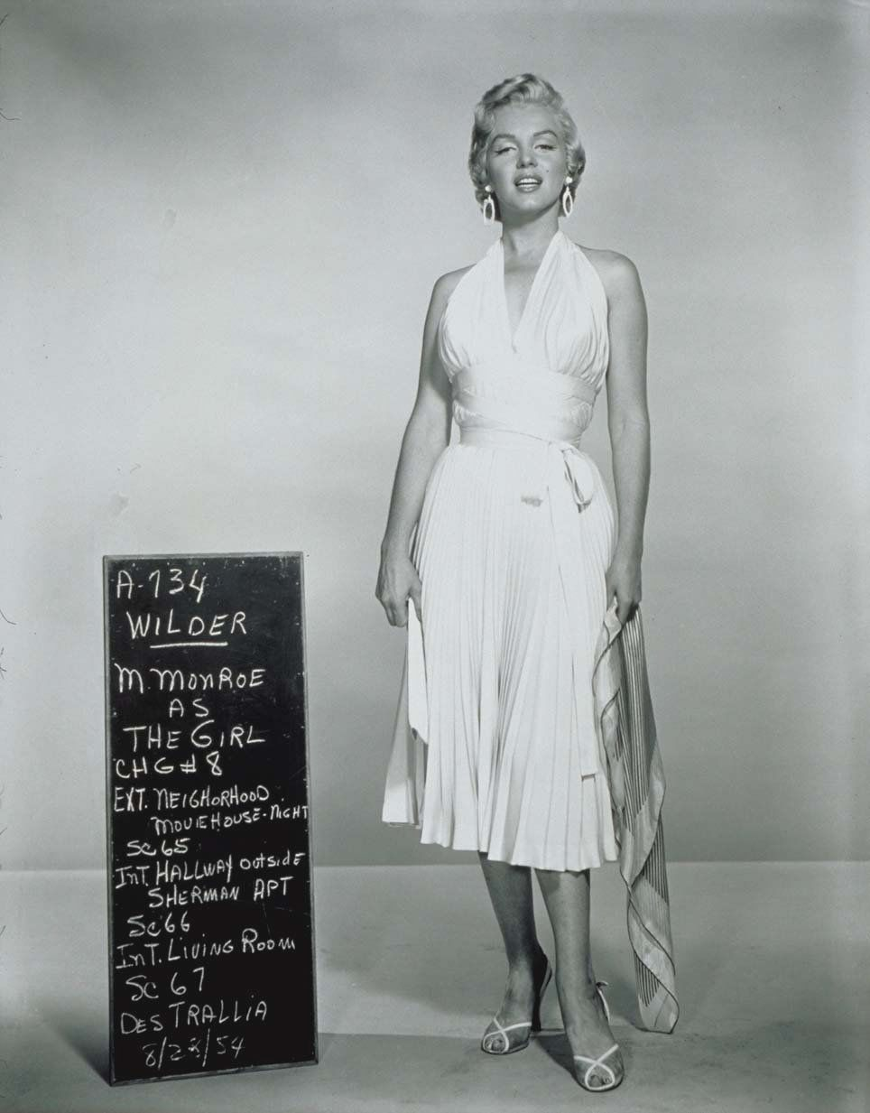 Marilyn Monroe Iconic White Dress - The Seven Year Itch 1954 ...