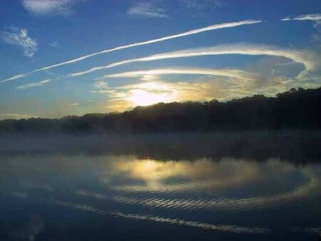 Deer_Cove_mrng_contrails2