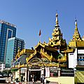 Paya Sule dans décor urbain - Yangon
