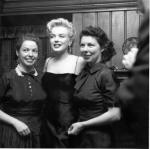 1956-03-03-BeverlyGlenBoulevard-press_party-022-with_churchill_sisters-1
