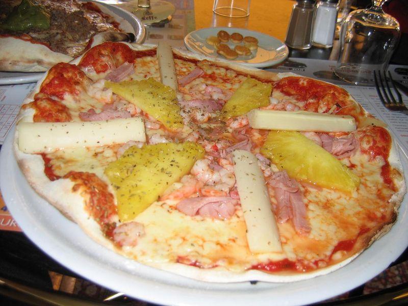 Pizza hawaïenne, Bureau Tours 5 juillet 2008.