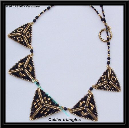 collier_triangles_noirs___B