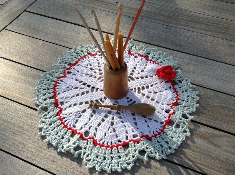 napperon crocheté couleur