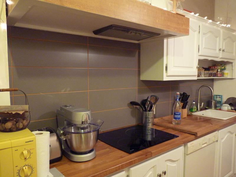 La cuisine s 39 toffe la maison des leymuriens - Credence ou carrelage cuisine ...