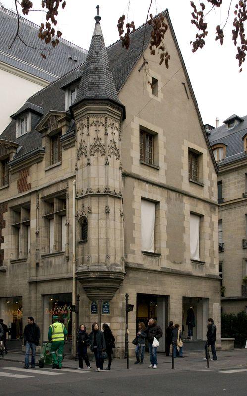 Rue_Vieille_du_Temple_pignon_01