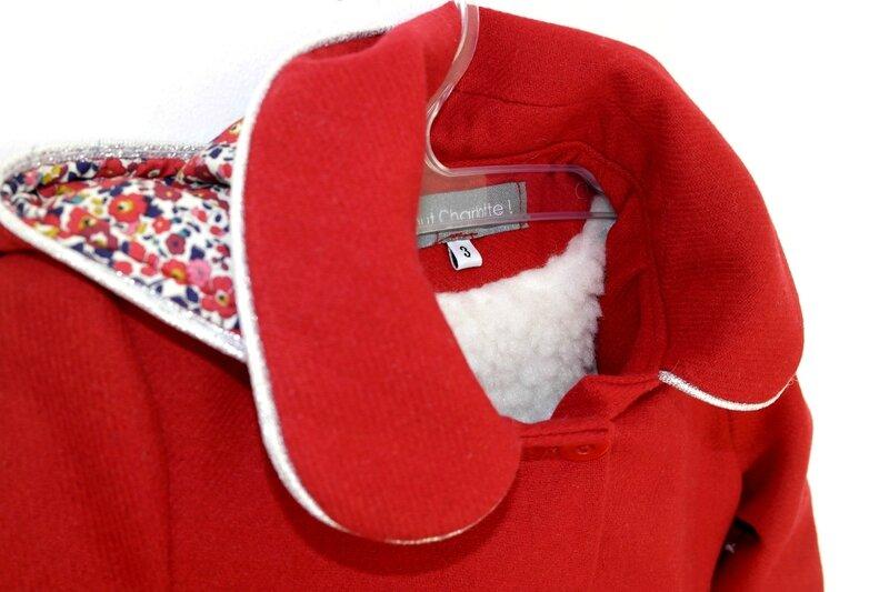 Manteau rouge Liberty_Chut Charlotte (1)
