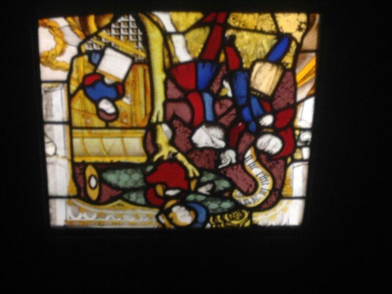 Vitrail Hotel Dieu de Provins exposé au Musée National du Moyen Age de Cluny à Paris