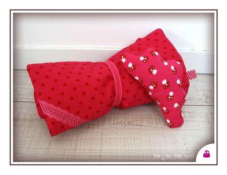 PH2013_03_06-358-mary-du-pole-nord-linge-de-lit-poupee-poupon-jeu-imitation-fait-main-fillette-petite-fille-nenette-biais-rose-fuchsia-rond-pois-blanc-coton-champign