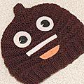 Bonnet emoji poop