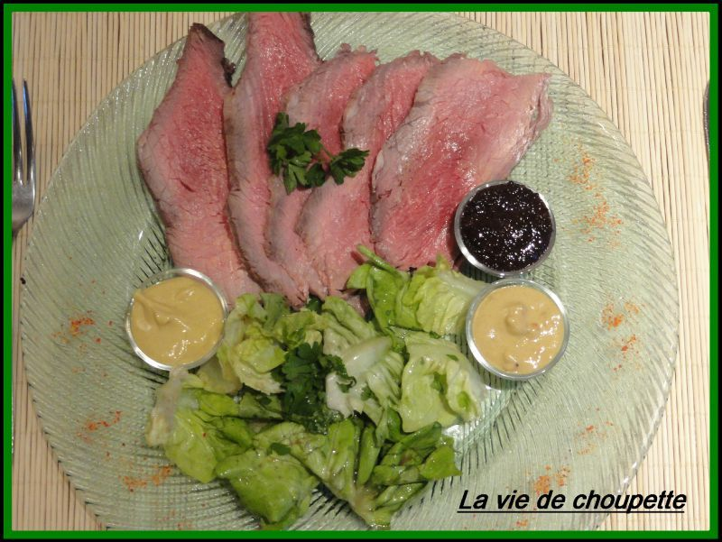 TRANCHES DE ROSBEEF FROIDE ET MOUTARDES VARIEES