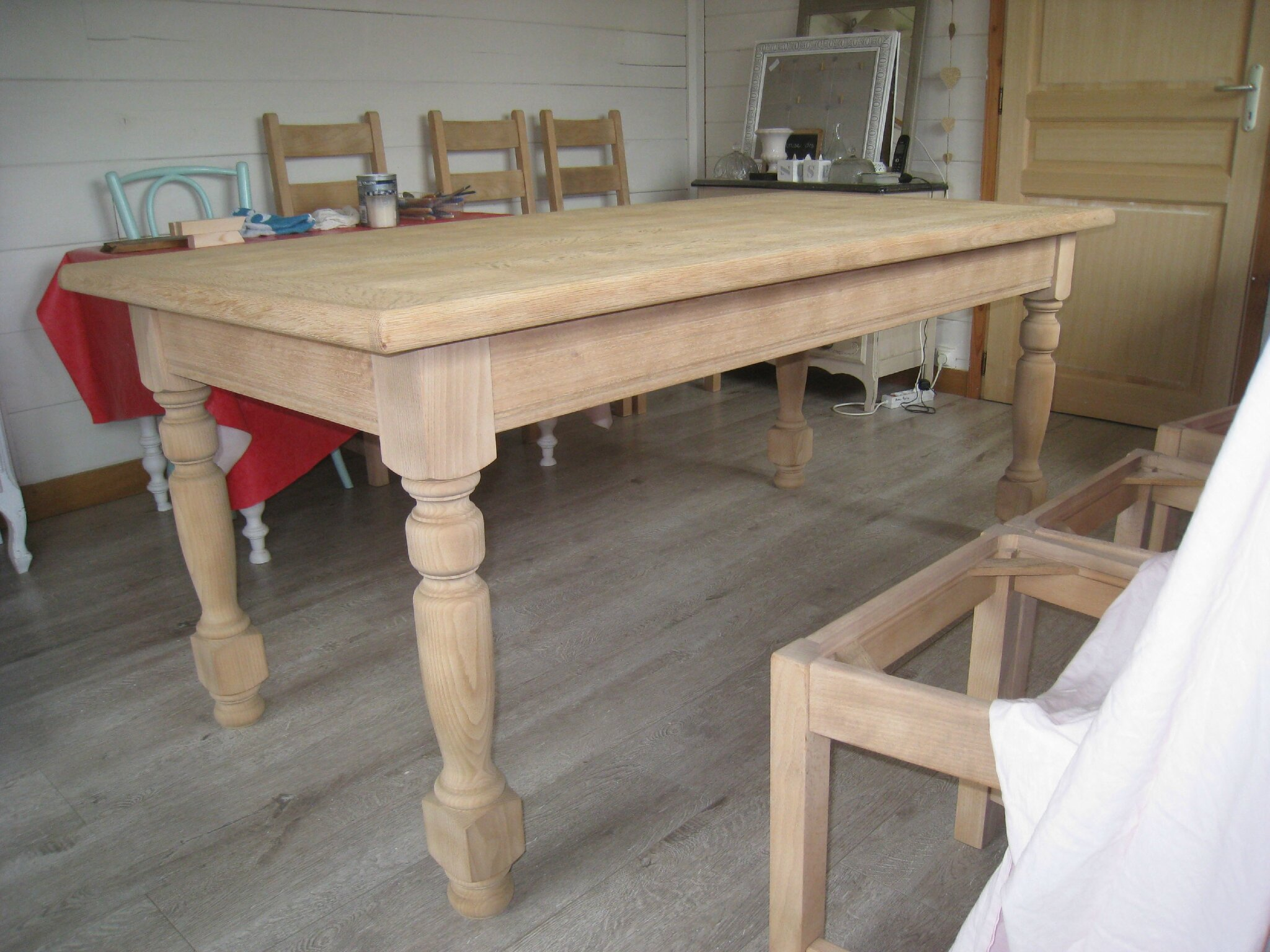Relooker une table en chene massif or45 jornalagora - Table en chene brut ...