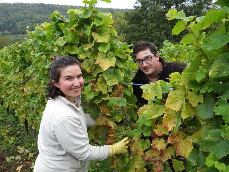 (Photo 43) Thibaud Liénard et son épouse Angélique (native de Bourgogne) prennent