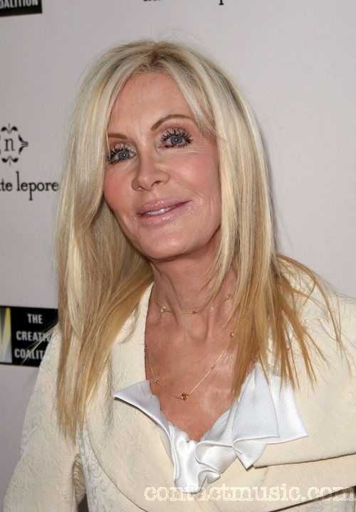 joan van ark la beaut des stars. Black Bedroom Furniture Sets. Home Design Ideas